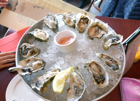 We didn't even get a full scoop of the mignonette sauce! (cr: Lucy)